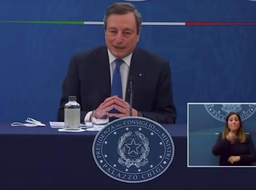 """Psicologi in rivolta contro Draghi: """"Siamo sanitari, vaccinarci è un dovere e una responsabilità, prima che un diritto"""""""