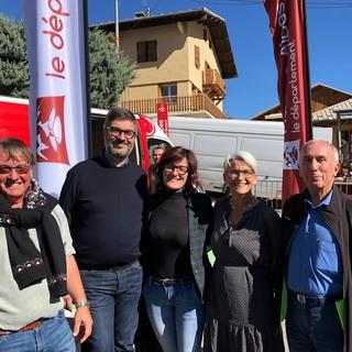 Il sindaco Calderoni, secondo da sinistra, a Guillestre
