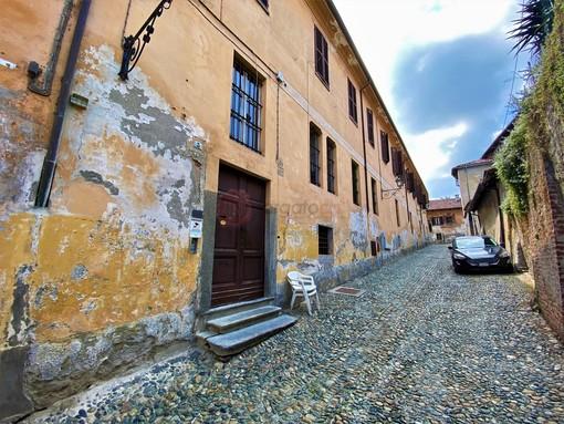 Lo stabile che ospita i locali della comunità Papa Giovanni XXIII