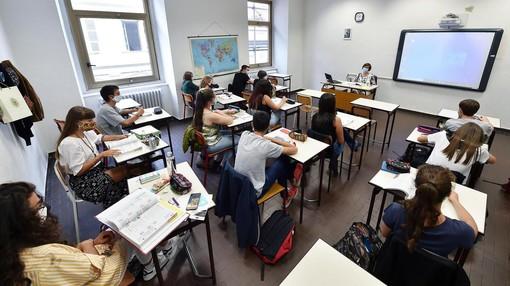 Da lunedì riprenderanno le lezioni in presenza (al 50%) per gli studenti piemontesi