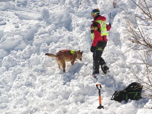 In Granda nella scorsa stagione invernale pochi incidenti da valanga e nessun decesso sotto la neve