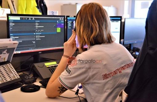Un operatore al lavoro nella centrale unica di Saluzzo