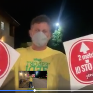 """La protesta del titolare del Gelapajo in frazione Vallera a Caraglio: """"Una parete di decreti, ma noi così non riapriamo, siamo in mutande"""" (VIDEO)"""