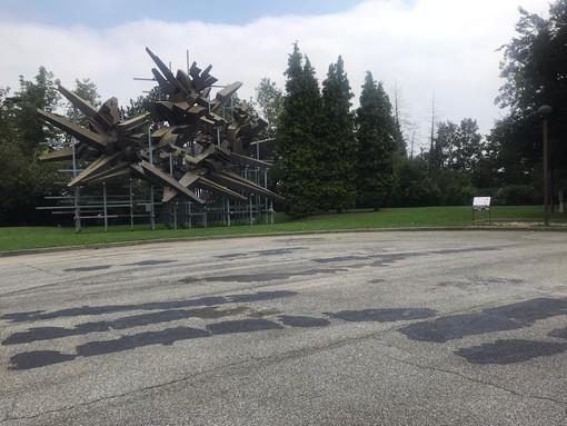 Cuneo: nuove scritte e svastiche davanti al Monumento della Resistenza