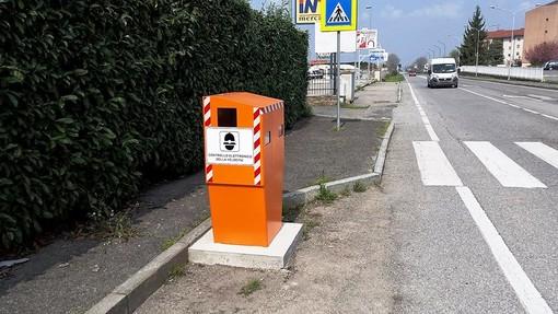 """Il """"velobox"""" installato in Via Torino, a Saluzzo"""