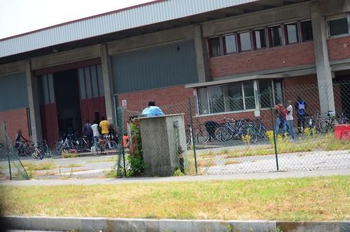 Il capannone occupato in via Lattanzi