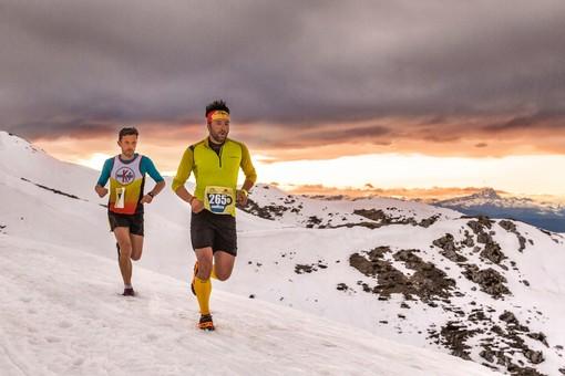 300 runners da tutta Italia per sfidarsi sulle nevi di Prato nella Sunset race