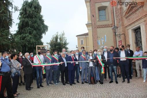 """A San Michele Mondovì la """"festa delle feste"""" con l'intitolazione del teatro a Piter Pecchenino [FOTO]"""