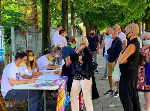 """La Lega scende in piazza a Fossano per dire """"scuole aperte e porti chiusi"""""""