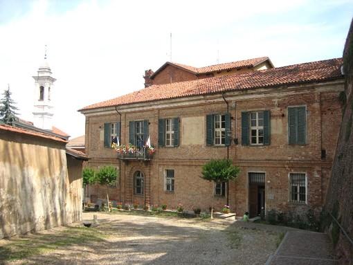 Una veduta del Municipio sommarivese, dal sito web del Comune