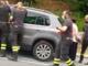 Due bambini restano chiusi in auto a Cuneo: intervengono i vigili del fuoco