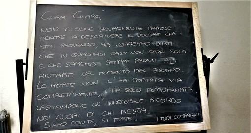 Il messaggio scritto dai compagni di Chiara