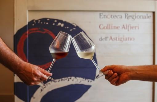 Tra Roero, Langhe e Monferrato cresce il nuovo vino 'Terre Alfieri'. In quattro anni produzione cresciuta del 59%