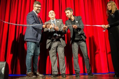 Saluzzo, taglio del nastro del nuovo palco del Cinema Teatro Magda Olivero