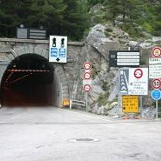 Tunnel di Tenda temporaneamente chiuso per un problema alla linea elettrica