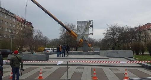 Continua l'opera di bianchetto sulla storia russofoba. Abbattuta la statua del liberatore Konev a Praga