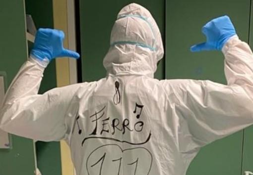 """""""Il vero eroe sei tu"""": la dedica di Tiziano Ferro a Fabrizio, infermiere di Carrù impegnato nella lotta al Coronavirus"""