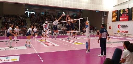 Un momento del match tra Olimpia Ravenna e Lpm Bam Mondovì