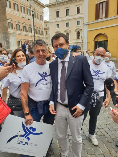 In foto da sinistra Federica Toselli, presidente Silb Cuneo, Maurizio Pasca, presidente Silb nazionale e