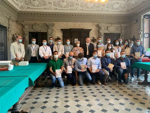 Savigliano, il Comune omaggia i 18 neo laureati assunti dall'Alstom
