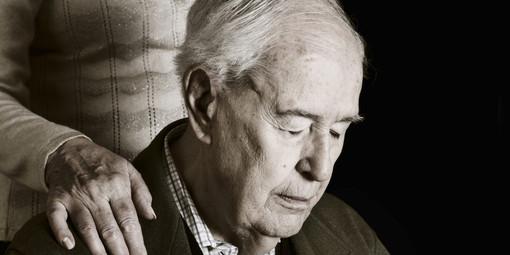 """Alzheimer e demenza: il progetto """"Aiuta chi aiuta: insieme è più facile"""" arriva in soccorso delle famiglie"""