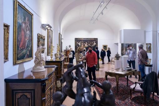 Saluzzo, immagini della mostra dell'antiquariato  in Castiglia