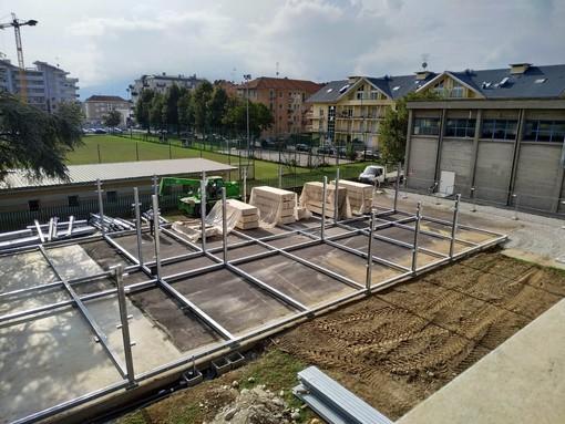 """Cuneo, prosegue il cantiere per le quattro nuove aule del """"Bianchi Virgino"""": concesso anche l'uso del campo da calcio di via Bertolino"""