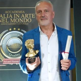 La premiazione con Il David di Michelangelo all'artista SebastianK