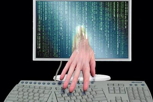Attacco hacker per estorsione: come difendersi dal phishing