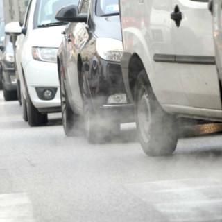 Polveri sottili sopra la soglia limite: anche ad Alba e Bra scatta lo stop ai veicoli Euro 4