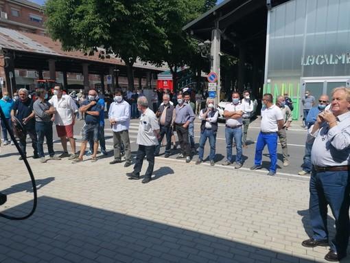 Fossano: manifestazione pacifica dei produttori di suini