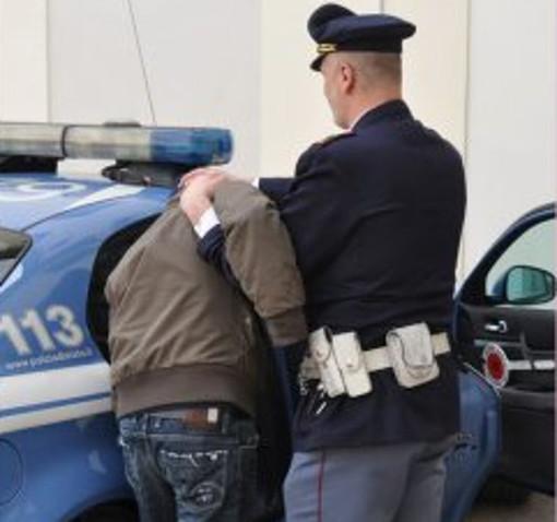 Evade due volte in sette giorni dai domiciliari: di nuovo arrestato un 19enne pluripregiudicato di Cuneo