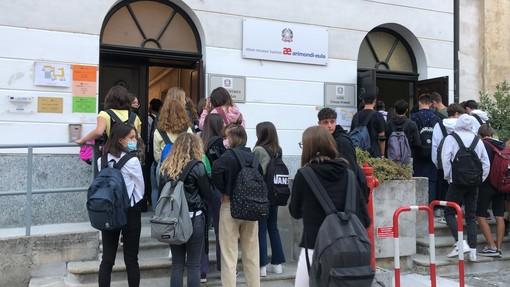 All'Arimondi Eula di Savigliano, prima giorno di rientro in classe (VIDEO)