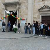 Partiti a piedi da Boves e accolti da centinaia di fedeli: l'arrivo di don Giuseppe e don Gilberto nelle parrocchie dell'Oltregesso