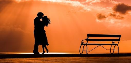 Benefici per la salute per chi vive in una relazione felice e cosa fare se non ne avete una