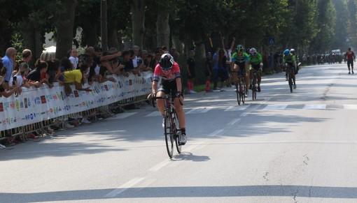 Ciclismo: annullata ogni gara fino a luglio