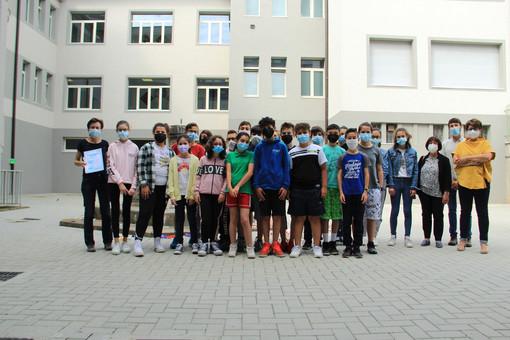 """""""Leggere: un messaggio in bottiglia"""". 130 ragazzi di Borgo impegnati in un progetto per ridurre la plastica nei mari"""