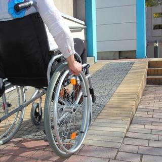 Un questionario per mappare le criticità in termini di accessibilità e fruibilità di edifici e spazi pubblici