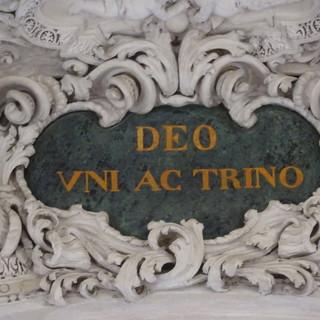 Tutte le iscrizioni della chiesa della Santissima Trinità, detta dei Battuti Bianchi, a Bra