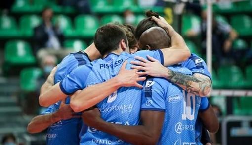 """Volley maschile A2, playoff - Cuneo verso il primo atto della semifinale, Serniotti: """"Orgogliosi di essere ancora in corsa, affrontiamo Taranto con coraggio"""""""