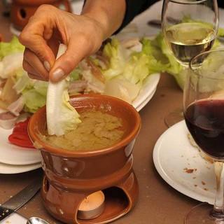 Vitel tonné, tajarin, bagna caöda, e bunet: il Bar Gino di Paesana prende tutti per la gola