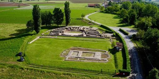 Una ripresa del sito archeologico Augusta Bagiennorum di Bene Vagienna, foto di John Aimo Ballons