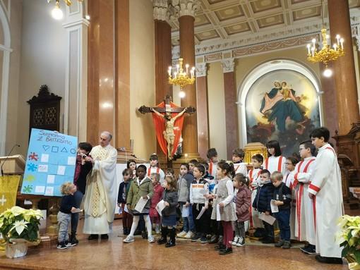 A Boves i bambini della scuola materna festeggiano il battesimo di Gesù