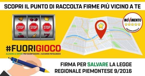 Cuneo: il MoVimento 5 Stelle in piazza Galimberti per sensibilizzare sulla leggere gionale contro il gioco d'azzardo