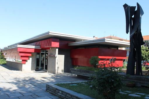 """Dogliani, la Biblioteca """"L. Einaudi"""" di Dogliani riapre con consegna dei libri """"take away"""""""