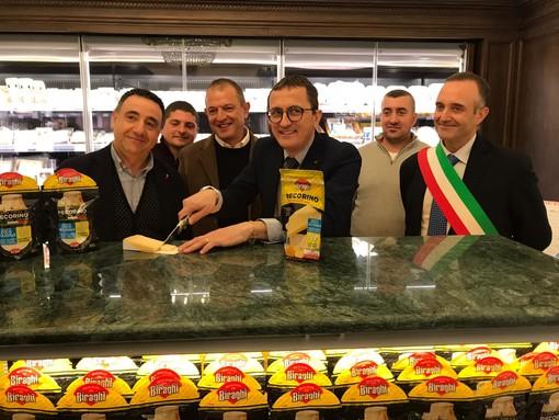"""Biraghi e Coldiretti Sardegna, la collaborazione continua: presentato il nuovo """"pecorino da tavola etico solidale"""" (VIDEO)"""
