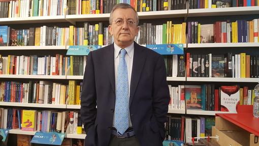 """È uscito il libro """"Rosa, la bella del re"""", firmato dal giornalista roerino Gian Mario Ricciardi"""