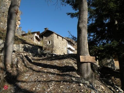 In vendita un'intera borgata alpina a 360mila euro a Batuira di Castelmagno