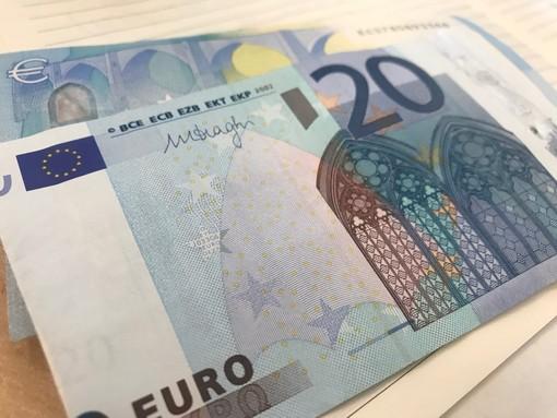 A Prato Nevoso, pagano lo skipass con banconote false: nei guai due ventenni di Genova