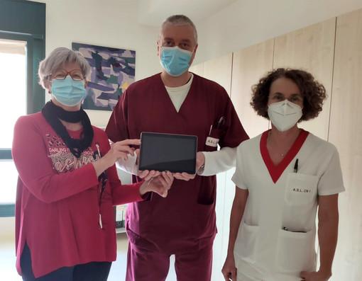 Un nuovo tablet all'ospedale di Mondovì: sarà utilizzato per le comunicazioni tra pazienti e i loro famigliari